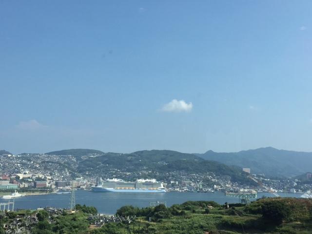 客船を眺めながら 「長崎づくり」はいかが?_e0163044_15431053.jpg
