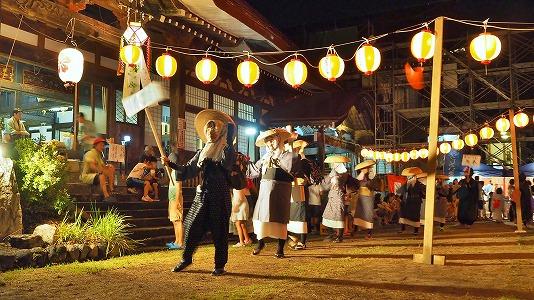 浦佐の仮装盆踊り_c0336902_16575837.jpg