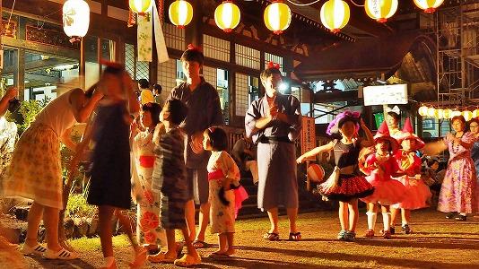浦佐の仮装盆踊り_c0336902_165811100.jpg