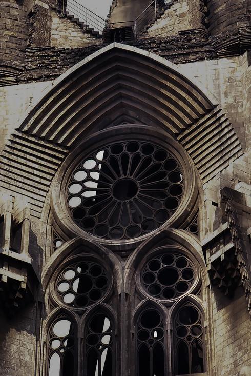 31年前のサグラダ・ファミリア教会_f0099102_17372558.jpg
