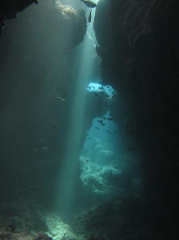 8月16日水納ブルーに青の洞窟_c0070933_22211065.jpg