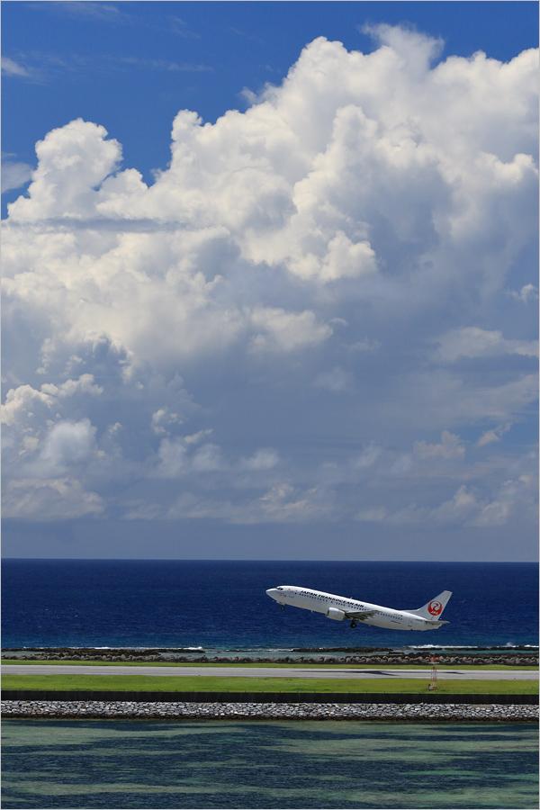 球美の島 3 - 久米島空港 _c0308259_23461728.jpg