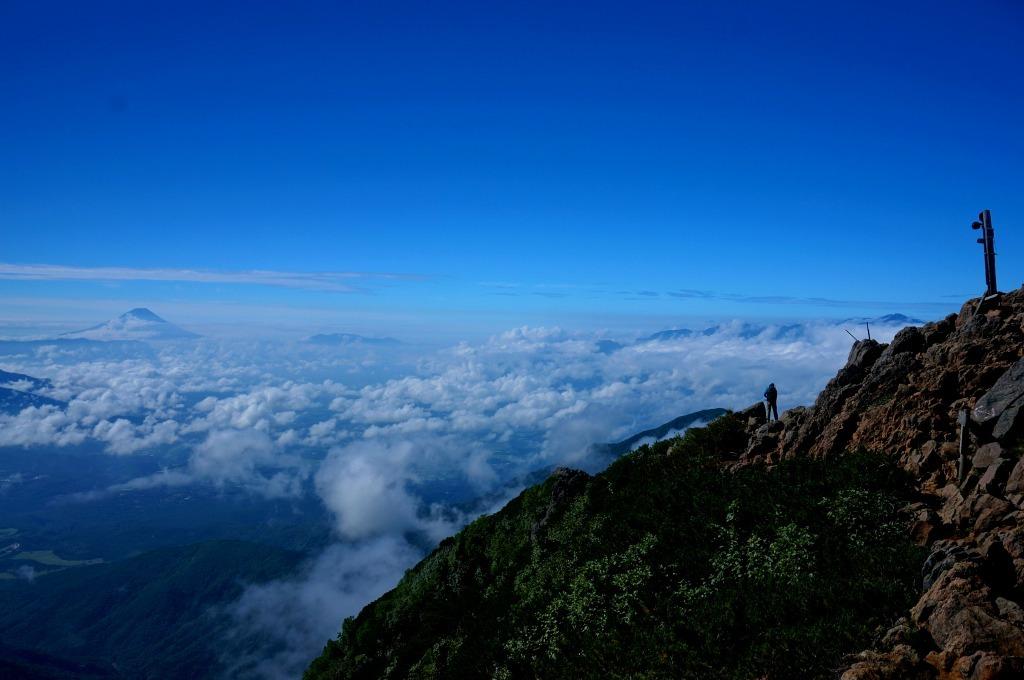 【山梨・長野】赤岳山頂から_c0348200_19105778.jpg