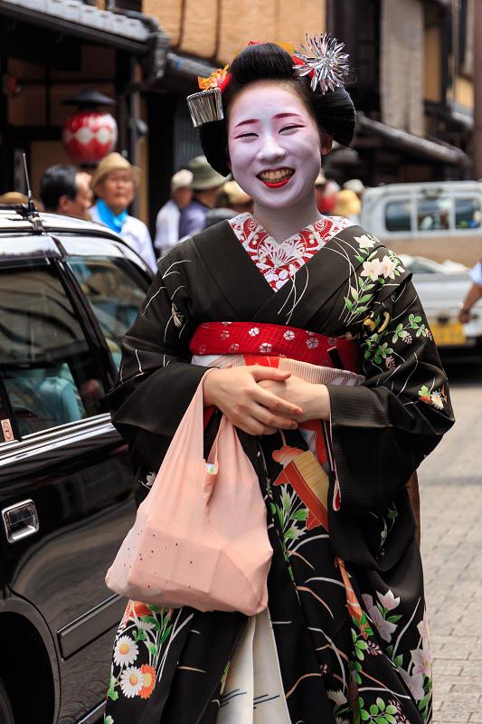 八朔のあいさつ回り(祇園甲部)_f0155048_1681598.jpg