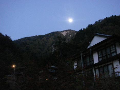 月明かり_f0219043_5225273.jpg