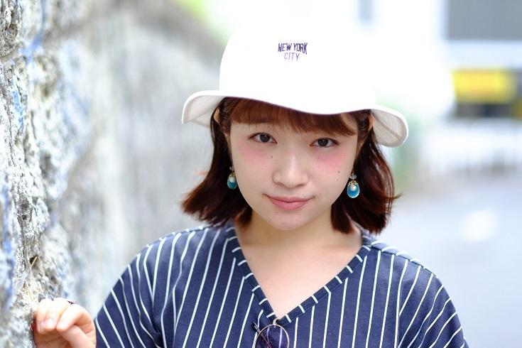 白い帽子がかわいい渡辺友美子