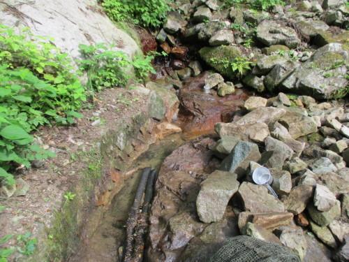 水源の清掃_b0274329_13345096.jpg