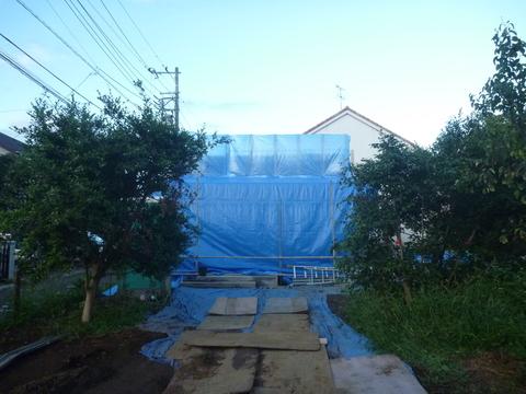 建て方工事1日目_f0066533_1182269.jpg