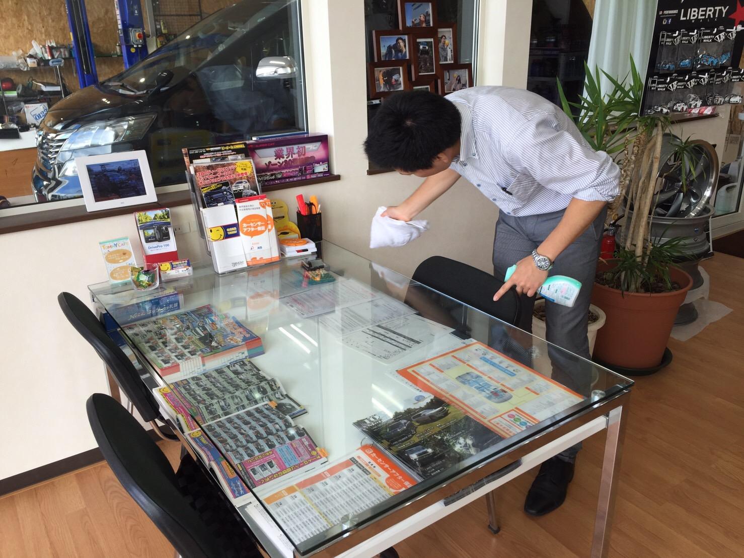 日曜日はトミ店のにこにこブログ☆ランクル ハマーの専門店☆_b0127002_18134296.jpg