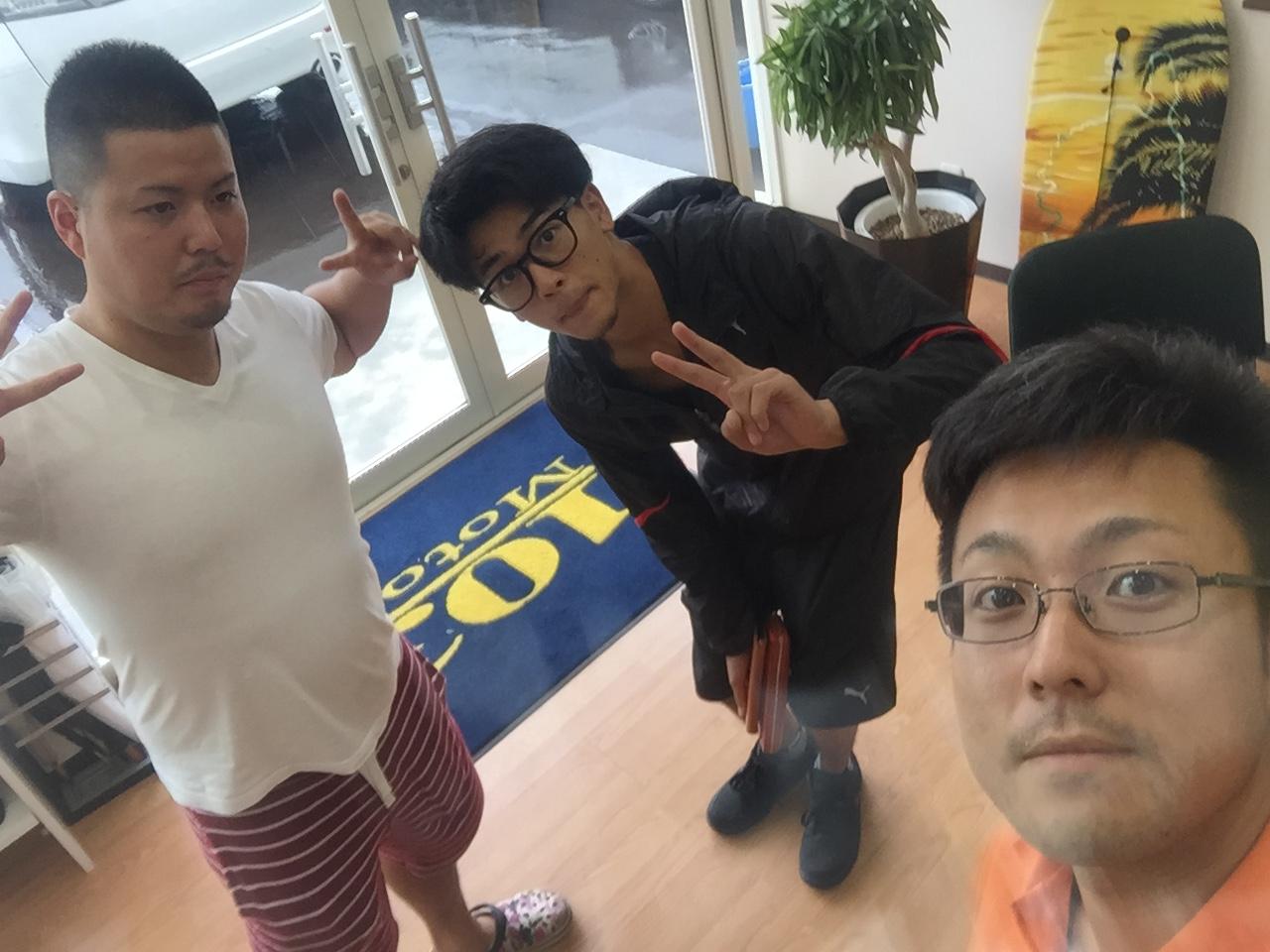 日曜日はトミ店のにこにこブログ☆ランクル ハマーの専門店☆_b0127002_1835367.jpg
