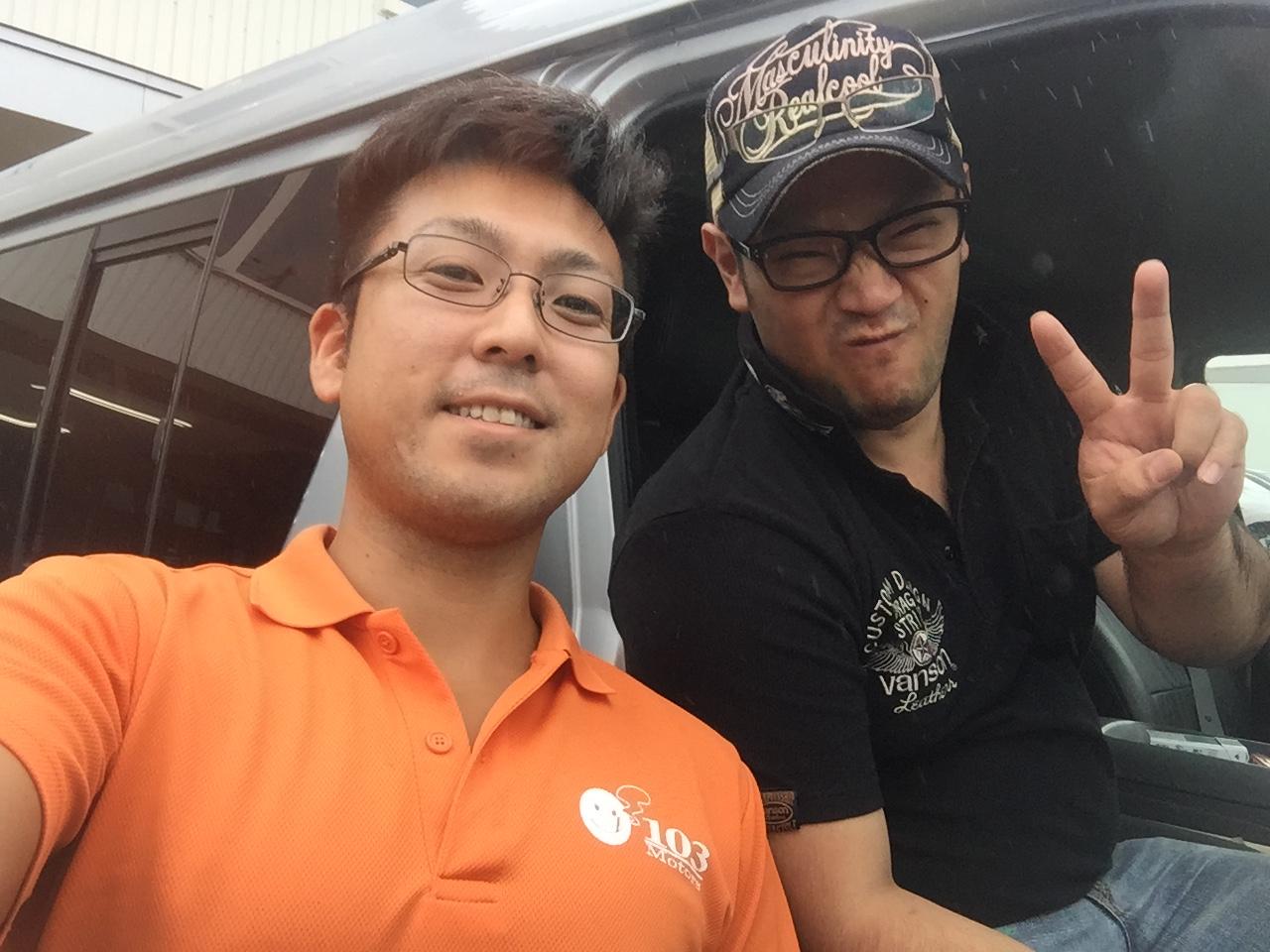 日曜日はトミ店のにこにこブログ☆ランクル ハマーの専門店☆_b0127002_1844032.jpg