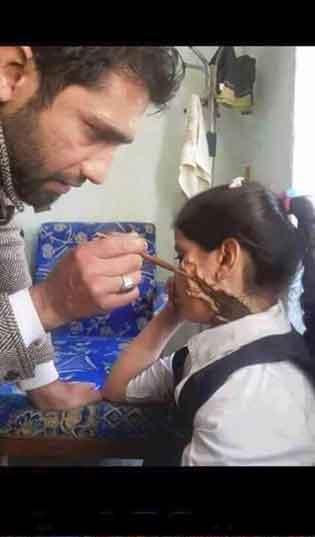 検証:消えた女の子『シリアのほこりと血にまみれ男児』/ 報道 _b0003330_9192734.jpg