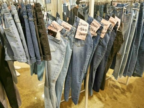 弘大 雑貨屋さんそしてマイナス5kgジーンズを求め裏通り_a0187658_19463845.jpg