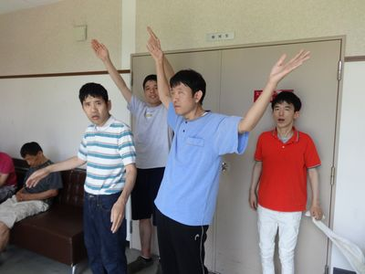 8/20 パタカラ体操_a0154110_13534829.jpg