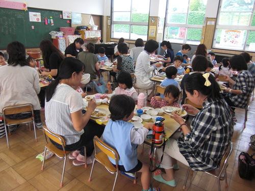 親子給食を行いました。_f0227821_1394795.jpg