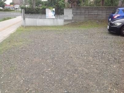 駐車場除草作業_c0186441_17492412.jpeg