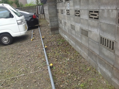 駐車場除草作業_c0186441_17543867.jpeg
