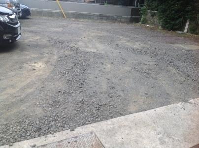 駐車場除草作業_c0186441_18173136.jpeg