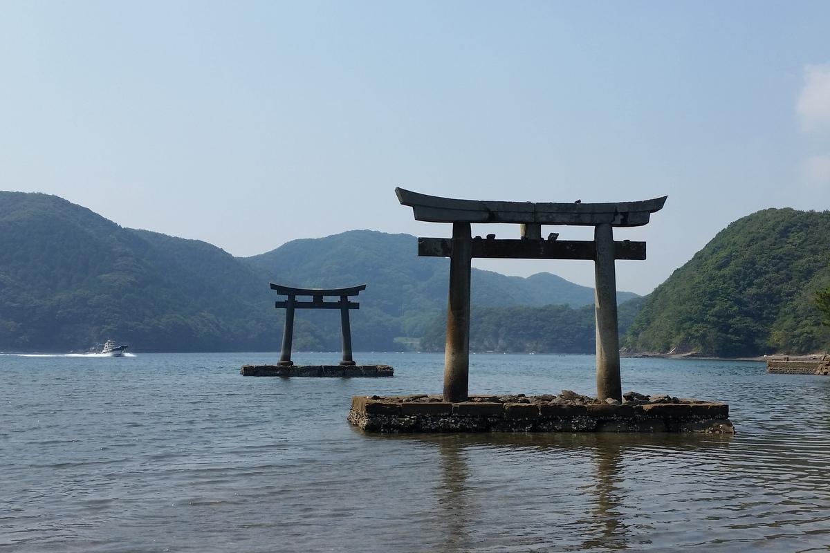 国境の島を訪ねて(11)神秘の和多都美神社_c0013687_21482073.jpg