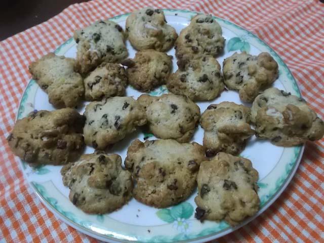 チョコとくるみのドロップクッキー_f0019498_9545563.jpg