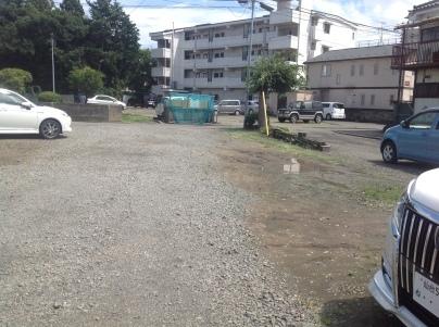 駐車場除草作業_c0186441_23583899.jpeg