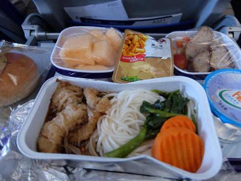 1日目: 関空→上海→香港→ムンバイ_a0207588_19503741.jpg