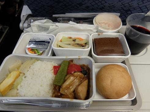 1日目: 関空→上海→香港→ムンバイ_a0207588_1952063.jpg