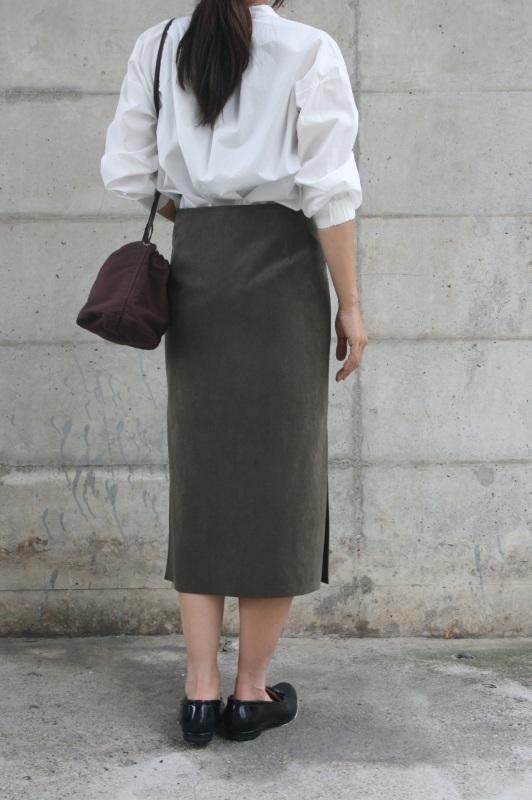 第3241回 Suede Skirt。_f0366424_13061436.jpg