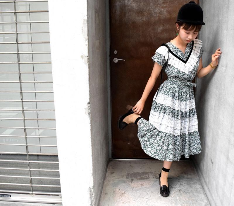 Girl in the town_e0148852_15595780.jpg