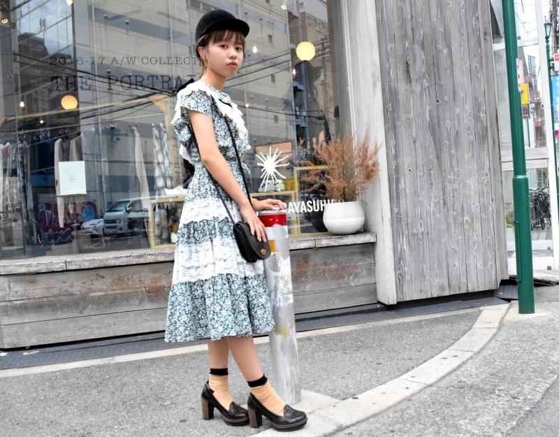 Girl in the town_e0148852_16003059.jpg