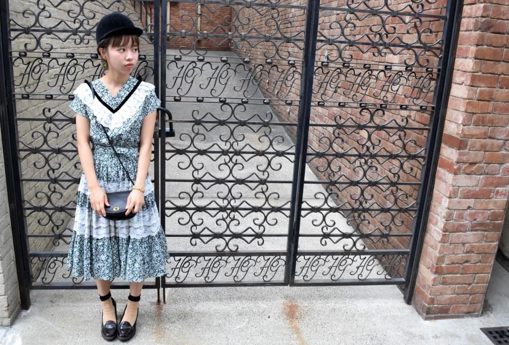 Girl in the town_e0148852_16003725.jpg