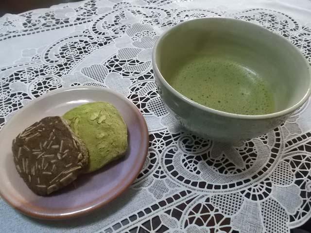 抹茶クルミとココアアーモンドクッキー_f0019498_1459195.jpg