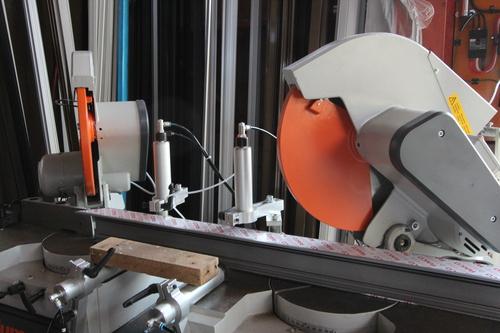 超高性能アルミサッシ地窓の試作 2_e0054299_14234042.jpg