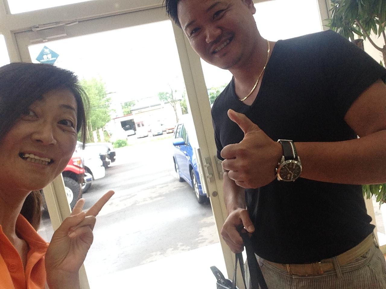 8月26日 金曜日の本店はオールスターブログヽ( 'ω' )ノ ランクル★ハマー取扱いTOMMY♫_b0127002_180580.jpg