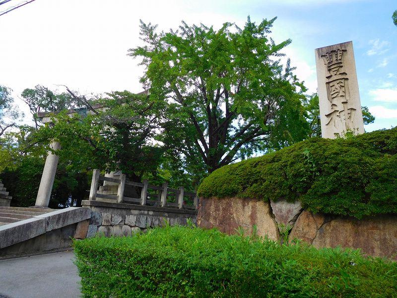 京都人の太閤贔屓を背にした「豊国神社」20160824_e0237645_11501316.jpg