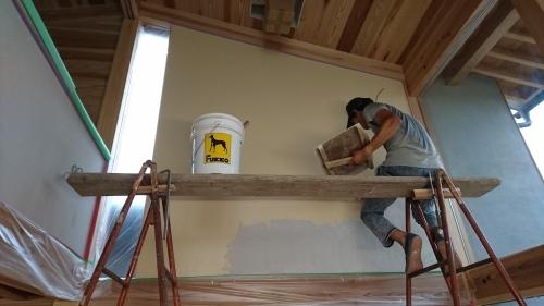 漆喰壁が仕上がりました!_a0346864_10245130.jpg