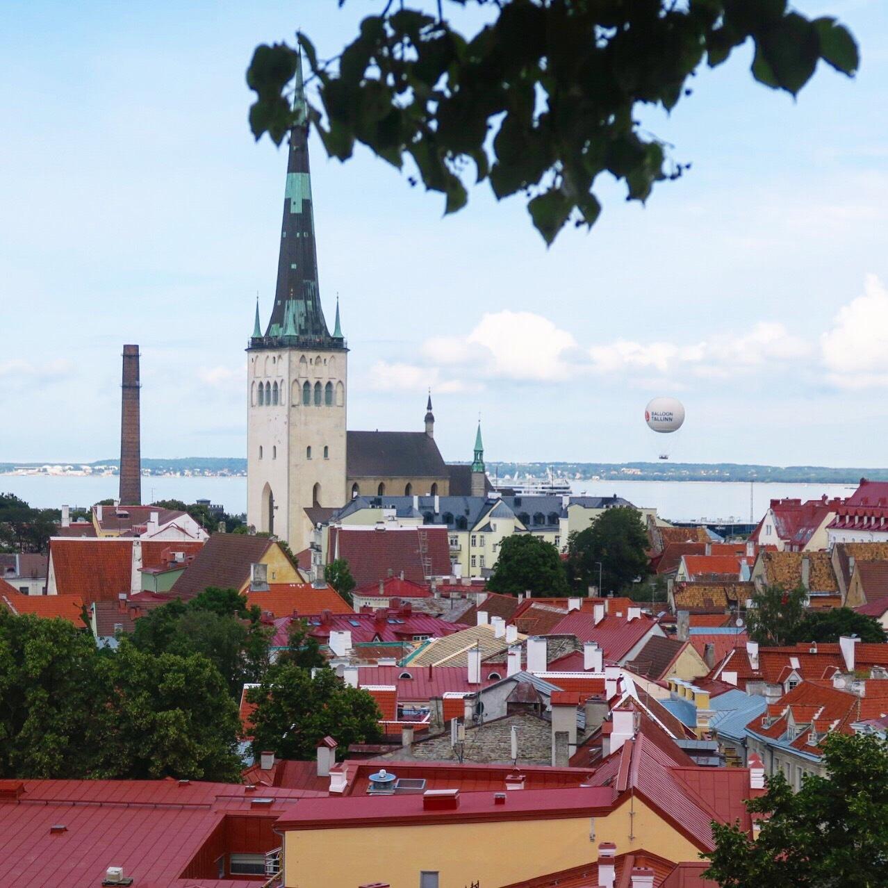 フェリーでエストニアのタリンに上陸_c0366777_00092585.jpg