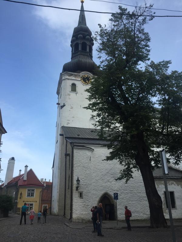 フェリーでエストニアのタリンに上陸_c0366777_00161087.jpg