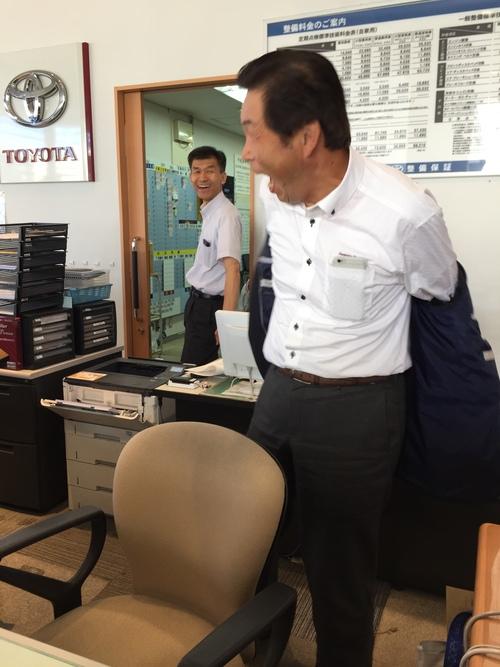8月28日 日曜日!トミ店のニコニコブログ!!ランクル ハマーの専門店☆_b0127002_1854469.jpg
