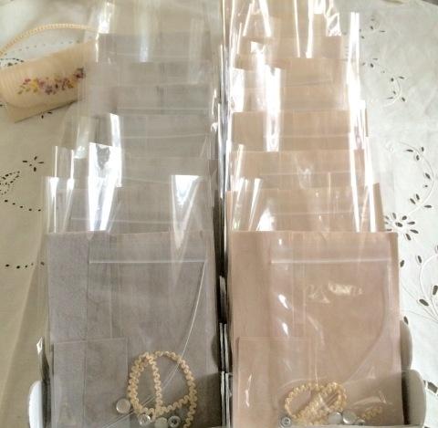 今日は三越カルチャー短期講座 『可憐なリボン刺繍で彩る小物ケース』2回めのレッスン_a0157409_08144317.jpeg