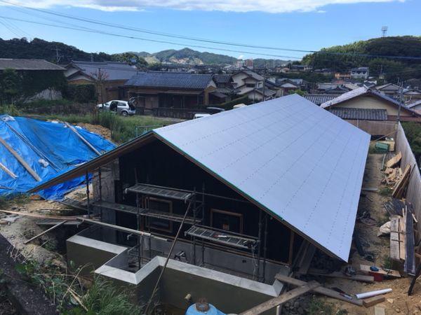 屋根がかかり、いよいよ完成が近づいてきました☆/「佐世保の平屋」。  _e0029115_15491798.jpg