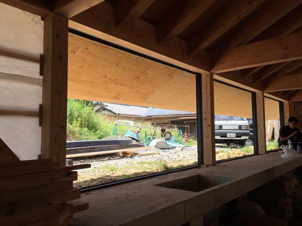 屋根がかかり、いよいよ完成が近づいてきました☆/「佐世保の平屋」。  _e0029115_15494003.jpg