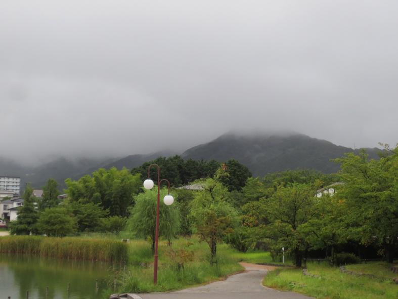■雲と『眉雨』──週替わりの夕暮れ[8/27-28]_d0190217_22413723.jpg