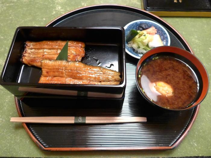 麹町「うなぎ 秋本」へ行く。_f0232060_21333716.jpg