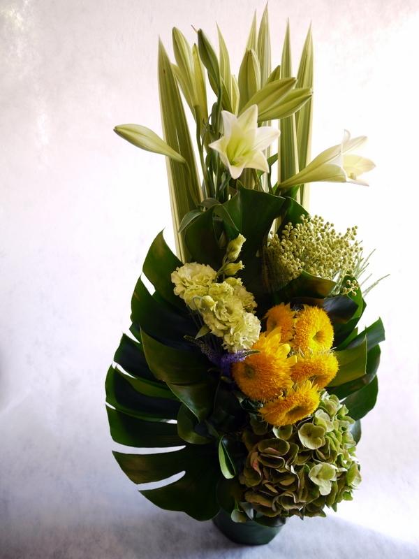 お花が好きだったお母様のご命日に。「明るく元気な感じ。黄色系で」。置戸町に発送。。_b0171193_16132149.jpg