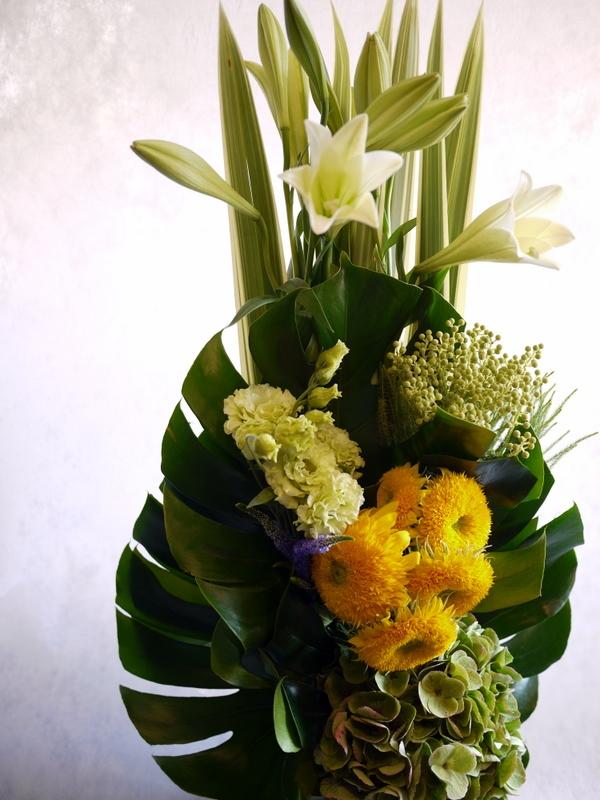 お花が好きだったお母様のご命日に。「明るく元気な感じ。黄色系で」。置戸町に発送。。_b0171193_16134979.jpg