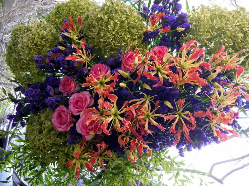 札幌芸術の森 野外ステージでの夏フェスにスタンド花。「279ど~みん'ずcafe」_b0171193_16504901.jpg