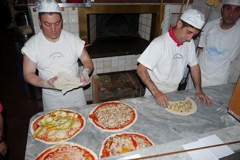 Pizzeria da Baffetto(ローマ)_a0152501_12104780.jpg