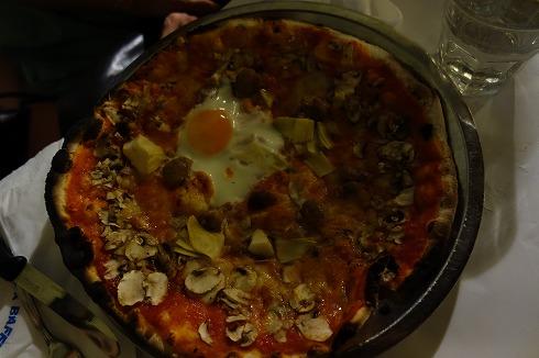 Pizzeria da Baffetto(ローマ)_a0152501_1211149.jpg