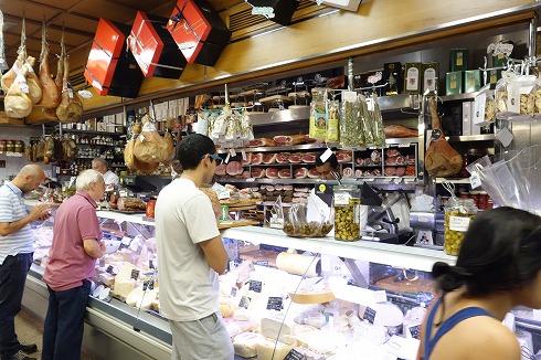 テスタッチョの食材店VOLPETTI_a0152501_13364980.jpg